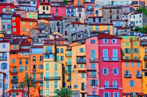MU1252 - Village of Menton in Provence, France