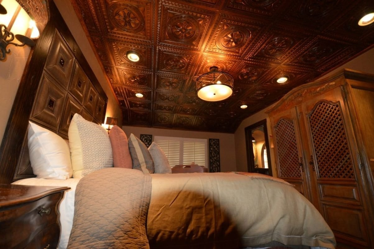 td01-faux-tin-ceiling-tile