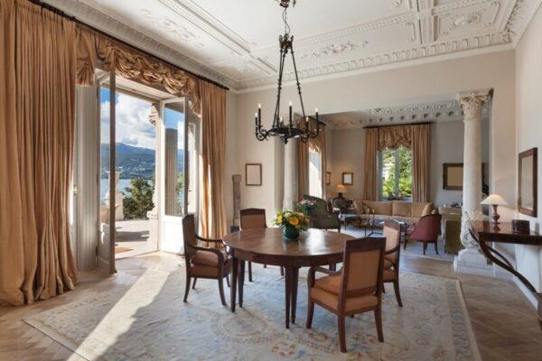 classical-interiors-living-room