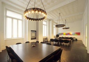 Ceiling-tiles-in-retail-spaces