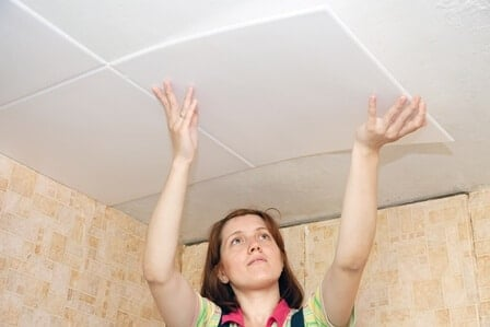 ceiling tiles installation