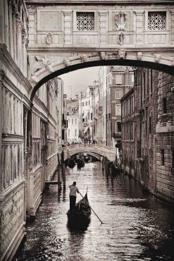 Venice-bridge-of-sighs