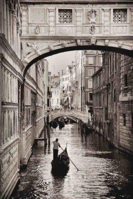 Venice-bridge-of-sighs